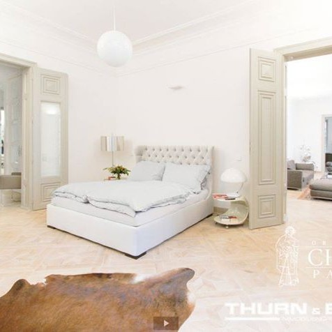 Chapel Parket - Chapel Parket - Etoille coffers, natural white, photo. Thurn & Bauer Immobiliengruppe.