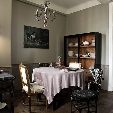 Chapel Parket - Chapel Parket - Chapel Parket, coffer Etoille, Double color tinted black. The apartment designed Marta Chrapka.