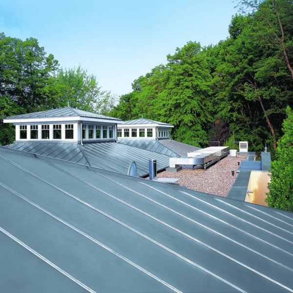 RHEINZINK U.K. - RHEINZINK U.K. - Lighthouse Restaurant in Hamburg, Germany, standing seam technology, sheet RHEINZINK bright rolled